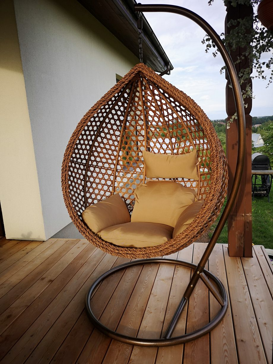 Hanging chair brown
